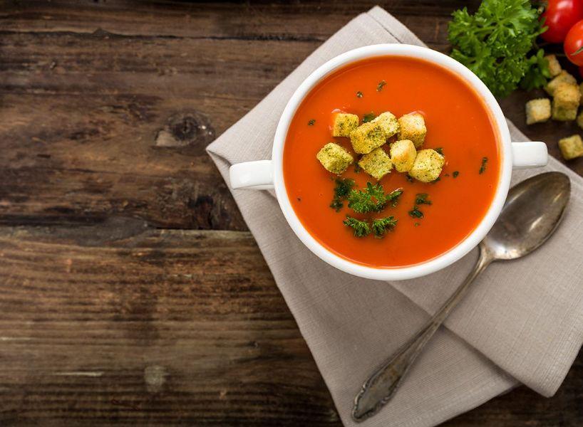Zuppa fredda al kefir e barbabietola